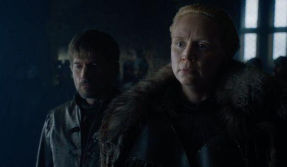 Brienne verdedigt Jaime.