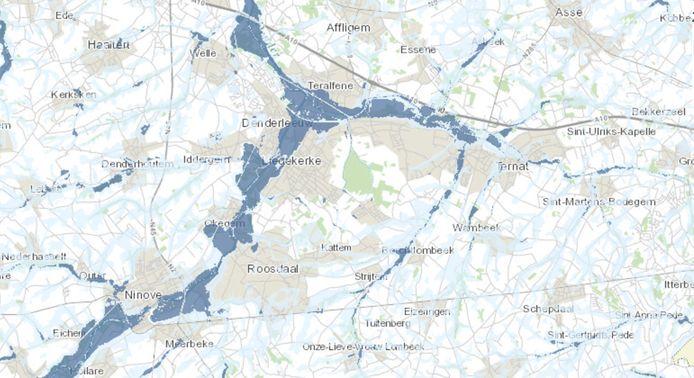 In Roosdaal, Liedekerke, Affligem en Ternat kleuren tal van gebieden donker of lichtblauw door de invloed van de Dender en de Bellebeek.