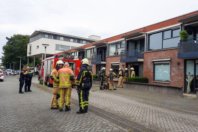 Brandweer aan het Perikplein in Enschede