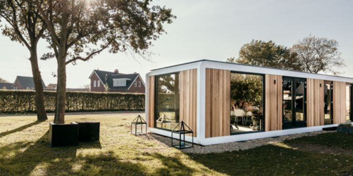 De small homes krijgen veel ramen om bewoners toch het gevoel van ruimte te geven.