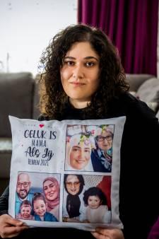 Melike (28) moet het huis uit na het overlijden van haar moeder: 'Hier liggen alle herinneringen'