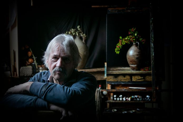 Jan Teunissen in zijn atelier.