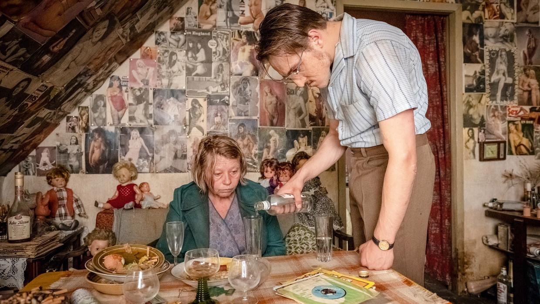 Filmbeeld uit 'Der Goldene Handschuh'. Beeld x