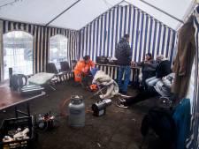 Omwonenden opvang Ligthartschool zijn overlast beu: 'Daklozen bepalen hier hun eigen regels'