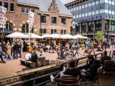 Hemelvaartsweekend en mooi weer zorgen voor drukke binnenstad: 'Ik heb niet het gevoel dat ik hier snel besmet raak'
