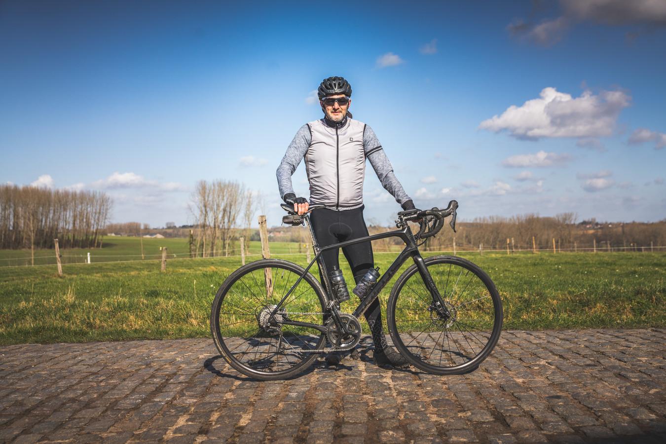"""Alain Van de Sompel (55) komt helemaal uit Leopoldsburg, voor een rit door de Vlaamse Ardennen. """"Dan kan je veel beter inschatten hoe lastig het is als je de profs dan over dezelfde hellingen ziet rijden."""""""