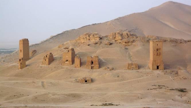 IS vernietigt drie graftorens in Palmyra