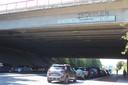 De slagzin aan het viaduct zal binnenkort van plaats veranderen.
