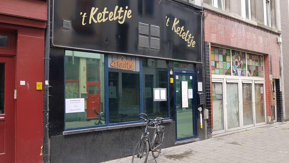 Café 't Keteltje in het Antwerpse Schipperskwartier heeft een dubieuze reputatie.