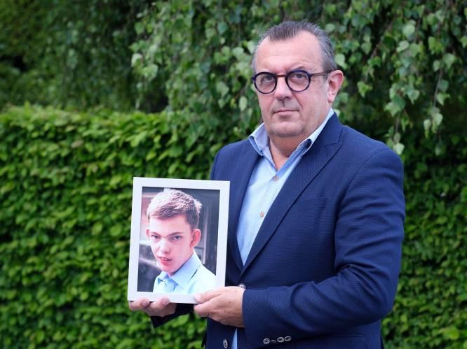 """Begrafenisondernemer verzorgt zelf dienst voor zijn overleden zoon: """"Zo ben ik tot het allerlaatste moment bij hem"""""""