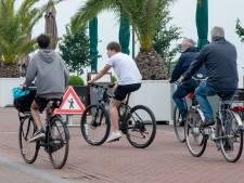 Fietsen ontwijken op de Harderwijkse boulevard: 'Blijkbaar moeten er eerst ongelukken gebeuren'