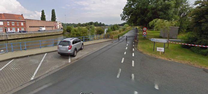 Het ongeval gebeurde aan de Oostkaai en het Jaagpad in Menen.