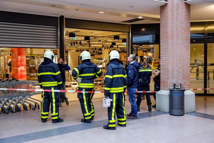 Elektricien onder stroom bij supermarkt in Rijen.