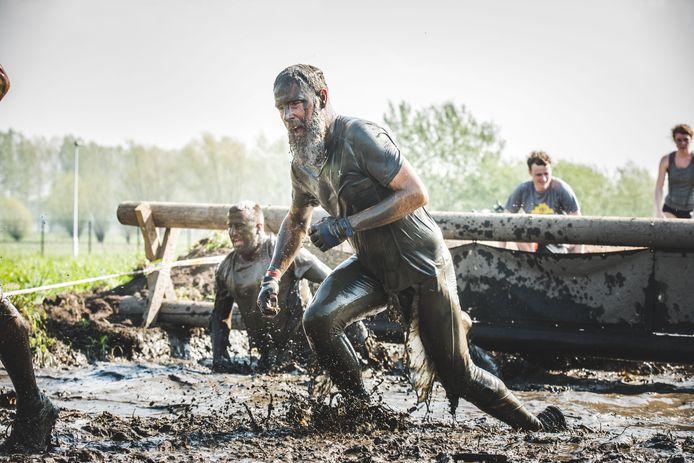 De politiezone van regio Puyenbroeck heeft een opmerkelijke oproep geplaatst. Het is namelijk op zoek naar nieuwe collega's en hoopt 'sterke Vikingen' warm te kunnen maken op de Strong Viking Run komend weekend in het Provinciaal Domein Puyenbroeck.