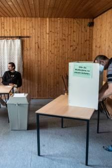 Zelfs in een van de kleinste stembureaus van Duitsland vinden ze: Mutti Merkel mag nu wel gaan