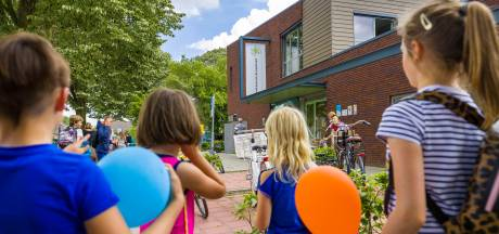 Oplossing voor ruimtegebrek Cromvoirtse basisschool; er komt een extra lokaal boven op de school