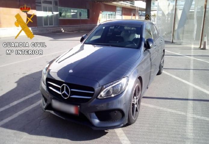 De Mercedes was volgens de Spaanse politie een wagen uit het dure segment.