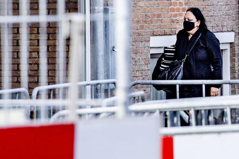 Inez Weski, advocaat van hoofdverdachte Ridouan T. in strafproces Marengo, komt aan bij de Amsterdamse Bunker. Beeld ANP