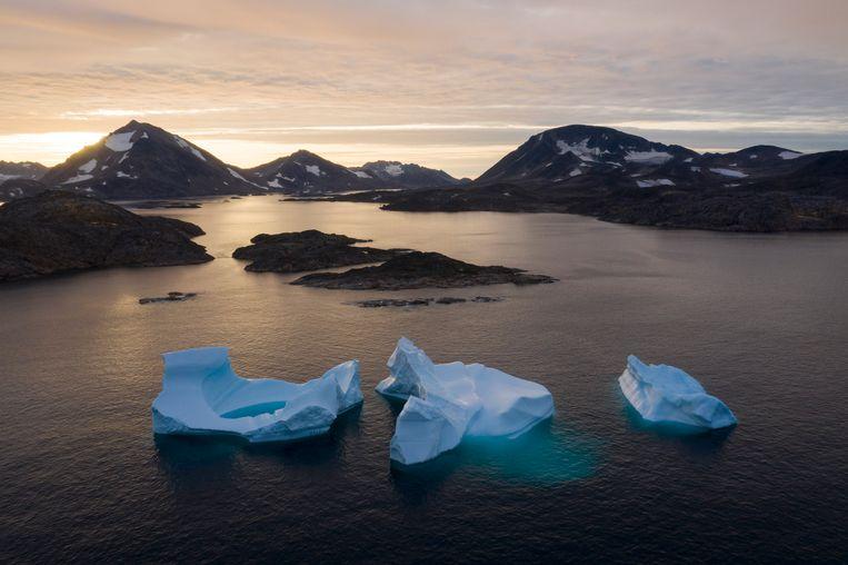 Mencairnya gunung es di dekat Greenland.  Patung Felipe Dana, AP