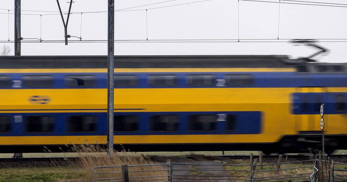 Treinverkeer Lelystad Dronten ligt stil door aanrijding.
