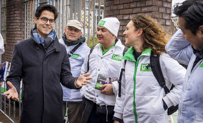 D66-leider Rob Jetten op campagne.
