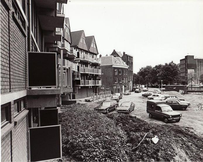 Anno 1982. Het zogenoemde kabouterdorp in aanbouw. Op dit terrein bevond zich voorheen het heliport én werd er volop plezier beleefd op de kermis.