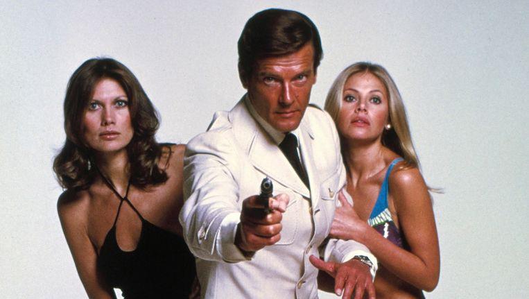 Roger Moore in zijn James Bond-hoogdagen, in 'The Man With The Golden Gun' uit 1974. Beeld AP