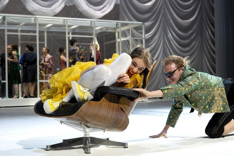 Yela de Koning en Sander Plukaard (Mozart) in Amadeus. Beeld Joris van Bennekom