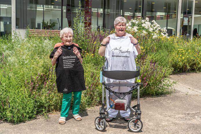 Mariette Meys en Irène Dewaelheyns kennen elkaar al zeven jaar en huren allebei een serviceflat bij Triamant in Velm.