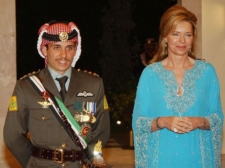 Archive photo from 2004 of Prince Hamza with his mother, Queen Noor.  Image AP