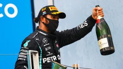 """Lewis Hamilton dient criticasters van antwoord: """"Dit is gênant. Als sport moeten we véél meer doen tegen racisme"""""""