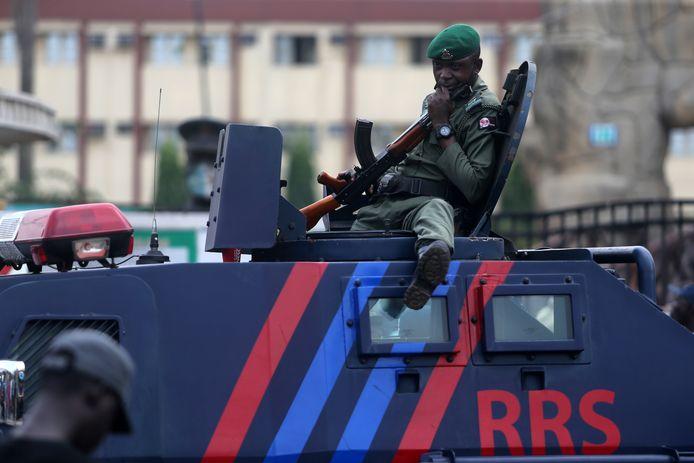 Foto ter illustratie. Nigeriaanse politieman in Laos, Nigeria.