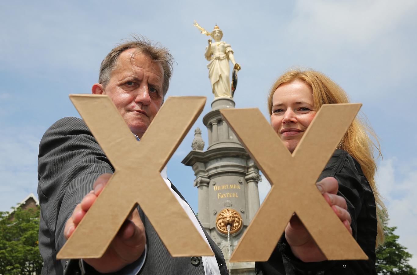 Hein te Riele en Anjo de Bont bij de 20e editie van Deventer op Stelten.
