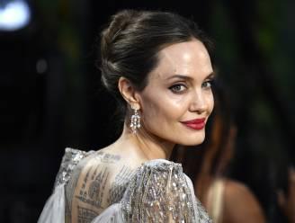 """Is Angelina Jolie undercover-informante voor de CIA? """"Welke man zou haar niet zijn diepste geheimen willen toevertrouwen?"""""""