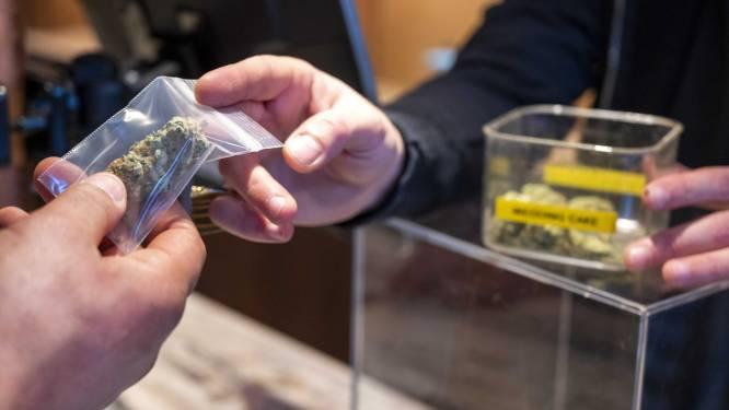 """Campagne 'Unhappy Birthday' pleit voor aanpassing 100-jaar oude drugswet: """"Legaliseren van cannabis kan belangrijke rol spelen in herstel economie na coronacrisis"""""""