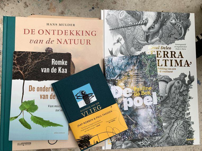 De vijf genomineerde boeken voor de Jan Wolkersprijs 2021 Beeld