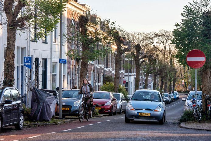 Vanaf mei volgend jaar moeten automobilisten het kenteken van hun auto invoeren als ze willen parkeren op een plek waar betaald parkeren is ingevoerd, zoals hier op de Brouwerijweg.
