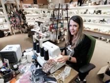 Susanne levert 4.500 mondkapjes voor 2.100 minima op bestelling van gemeente