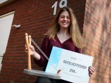 Henrike Koenderink (18) uit Haaksbergen wint Wil Gradussen Award: 'Ik had de klompen nog aan toen de cameraploeg kwam'