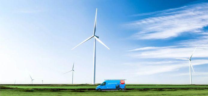 Een busje van de zonnepanelenafdeling van Coolblue