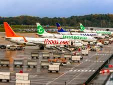 Piloot ontkent billenknijpen bij stewardess op parkeerplaats van Eindhoven Airport na #metoo-gesprek