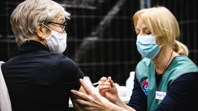 Zestigplusser uit Gelderland mogelijk voorlopig overgeslagen bij vaccinaties