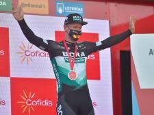 Winnaar Ackermann na tumultueuze sprint: 'Moeten voor elkaar zorgen'