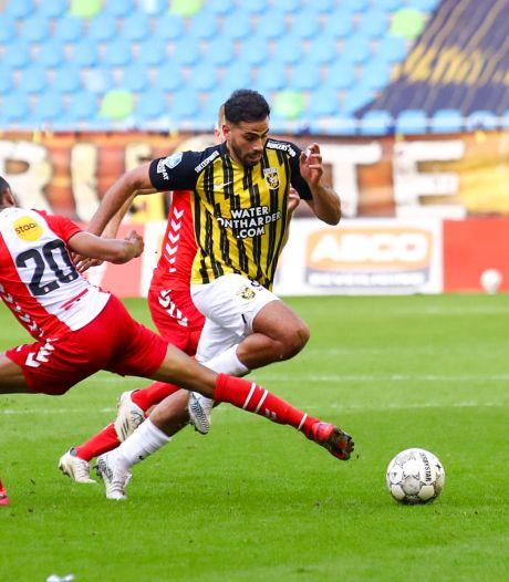 Tannane neemt surprise Vitesse bij de hand: 'Hij kan eigenlijk alleen gestopt worden met overtredingen'