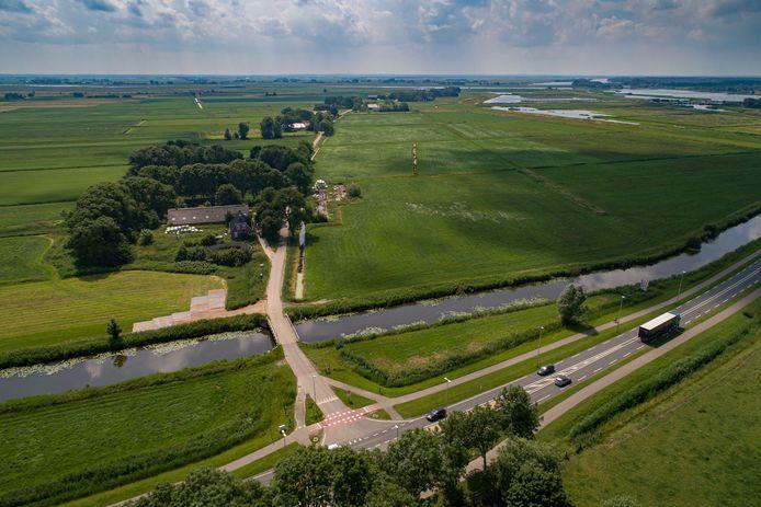 Bewoners van de Buitendijksweg hebben bij de gemeente Kampen aan de bel getrokken over de plannen om van het éénrichtingsverkeer op de weg mogelijk tweerichtingsverkeer te maken.