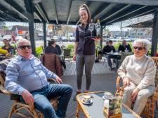 Handhavers tevreden na eerste terrasdag: 'Horeca doet het goed'