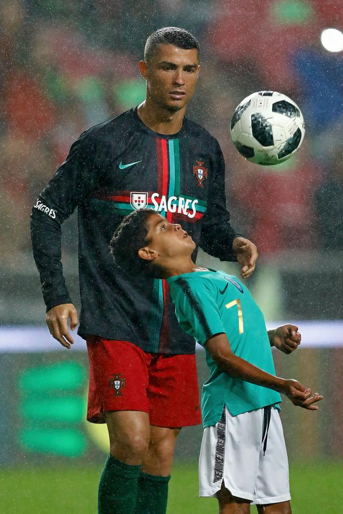 Cristiano Ronaldo met zijn zoontje Cristianinho