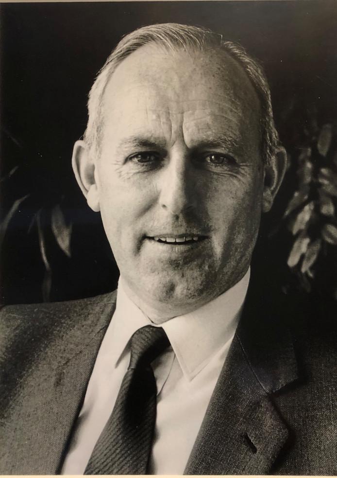 Henk de Kort, lange tijd burgemeester van de voormalige gemeente Kerkwijk, is woensdagavond overleden.