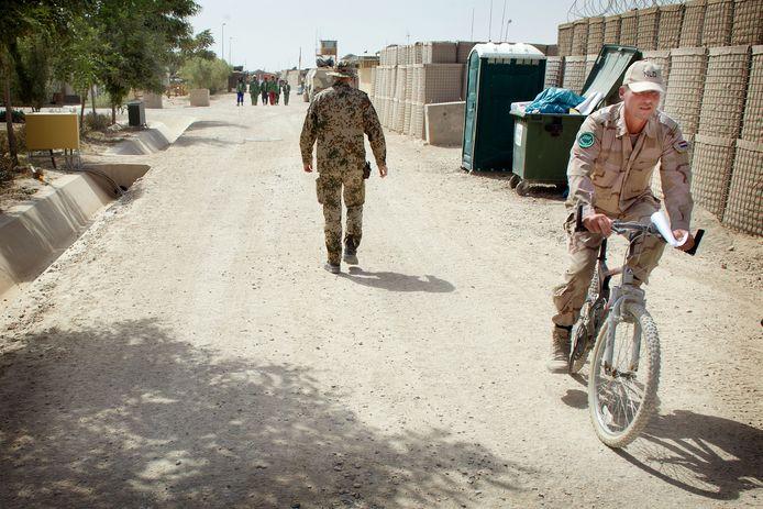 Nederlandse militairen op de basis in Afghanistan.