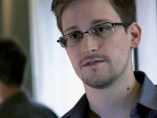 """Poutine qualifie Snowden de """"défenseur des droits de l'Homme"""""""